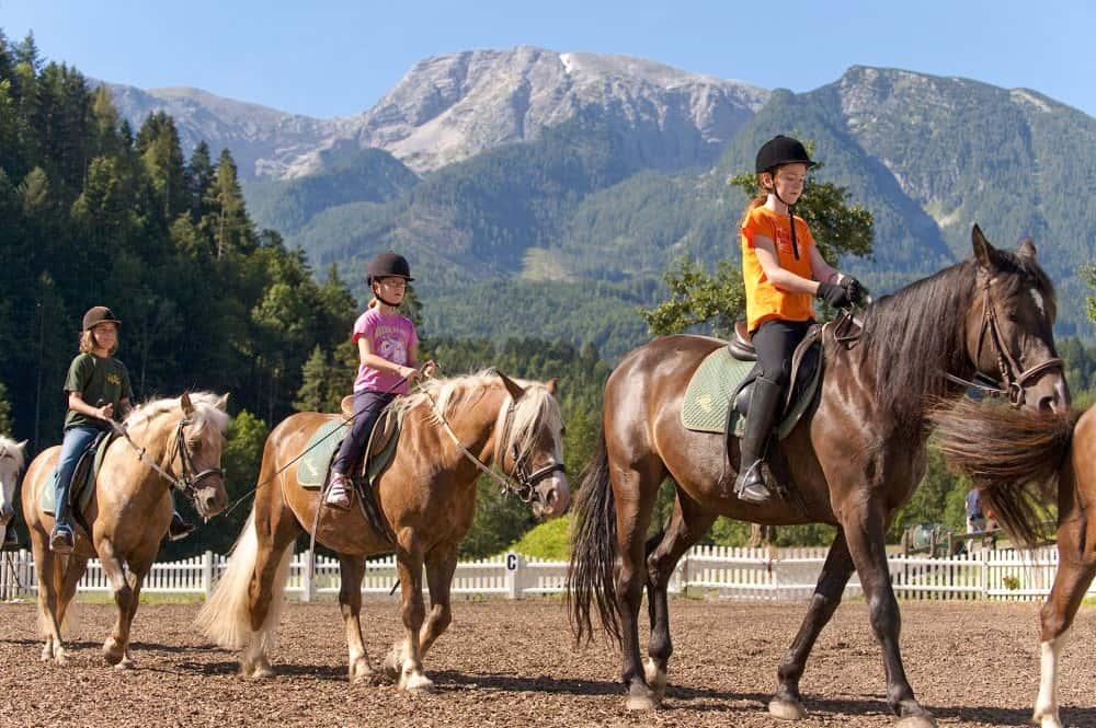 Reiturlaub in Oberösterreich mit der ganzen Familie - Ferienhotel Gut Enghagen