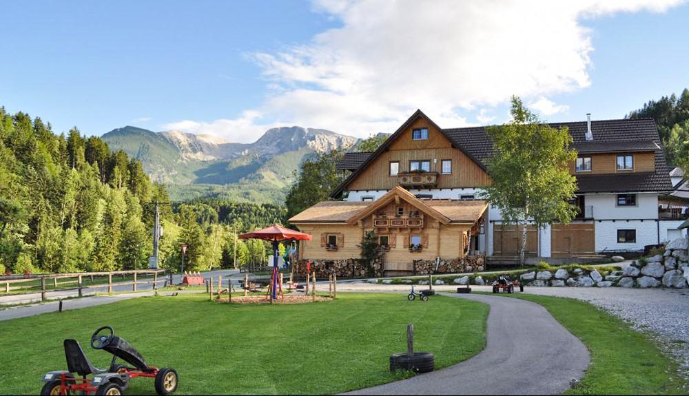 Unser Hotel in Roßleithen von außen - Ferienhotel Gut Enghagen