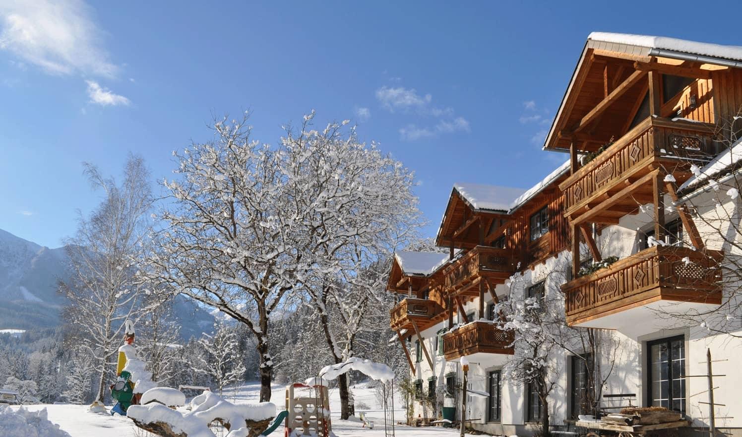 Winterwonderland beim Urlaub mit Kindern in der Pyhrn-Priel-Region - Ferienhotel Gut Enghagen
